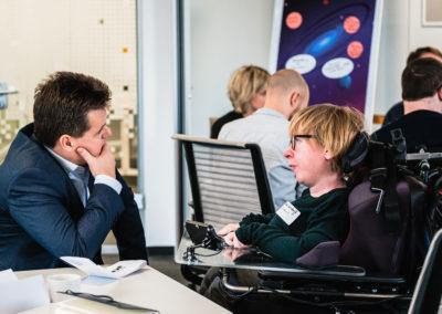 Behindertenbeauftrager Jürgen Dusel im Gespräch mit Job Inklusive Referentin Anne Gersdorff